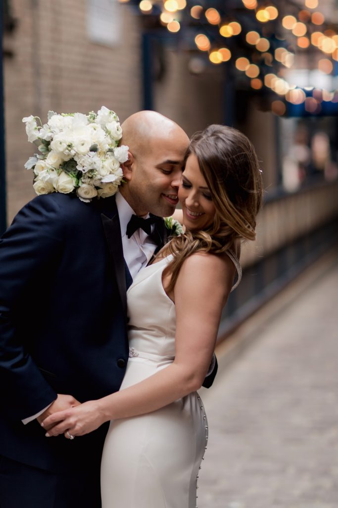 Contemporary Loft Wedding with Pretty Lucite Details - cityviewloft ellerosephoto SM 72
