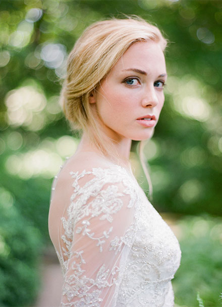 Simply Chic Toronto Wedding from Tia Kristina Photography & Laura Kelly Wedding Design