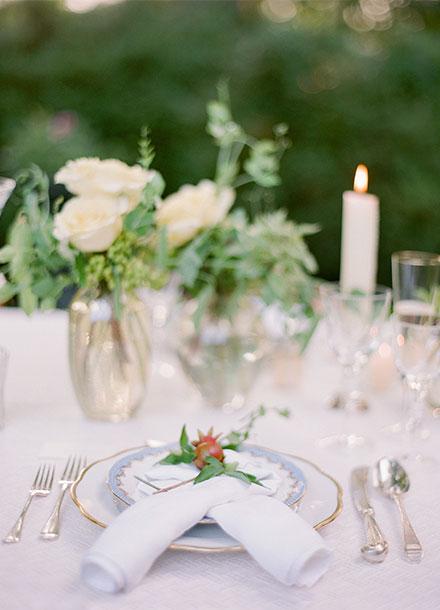 Simply Chic Toronto Wedding from Tia Kristina Photography & Laura Kelly Wedding Design